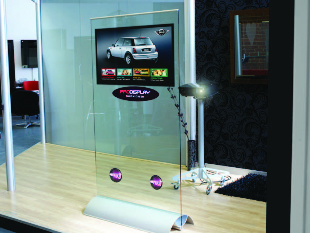 interactive-touch-screen-projection-stand